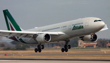 041916 Alitalia Airbus A330