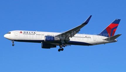 Delta 767-300 WL N1608 (07)(Apr) LAX (MBI)(46)-625x417