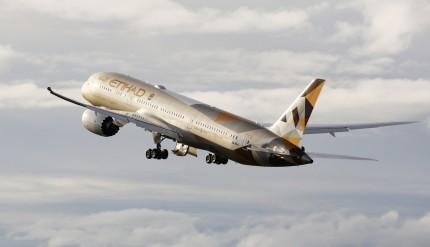 Etihad Airways_B787_Dreamliner_takeoff