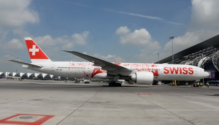SWISS-Boeing-777-300ER_1