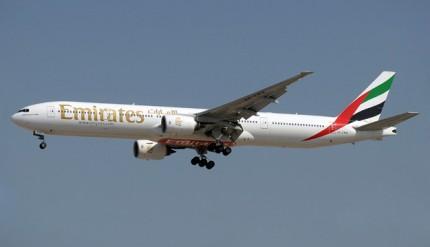 emirates-777-300-a6-emw-99apr-dxb-pdnlrw